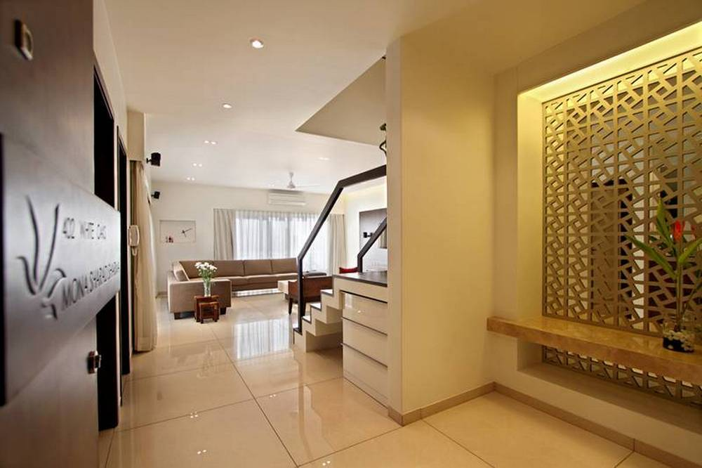 Beau Here The Design Is Pure, Modernistic And Pleasing Which Is The Strongest  Element Of The Pent House.